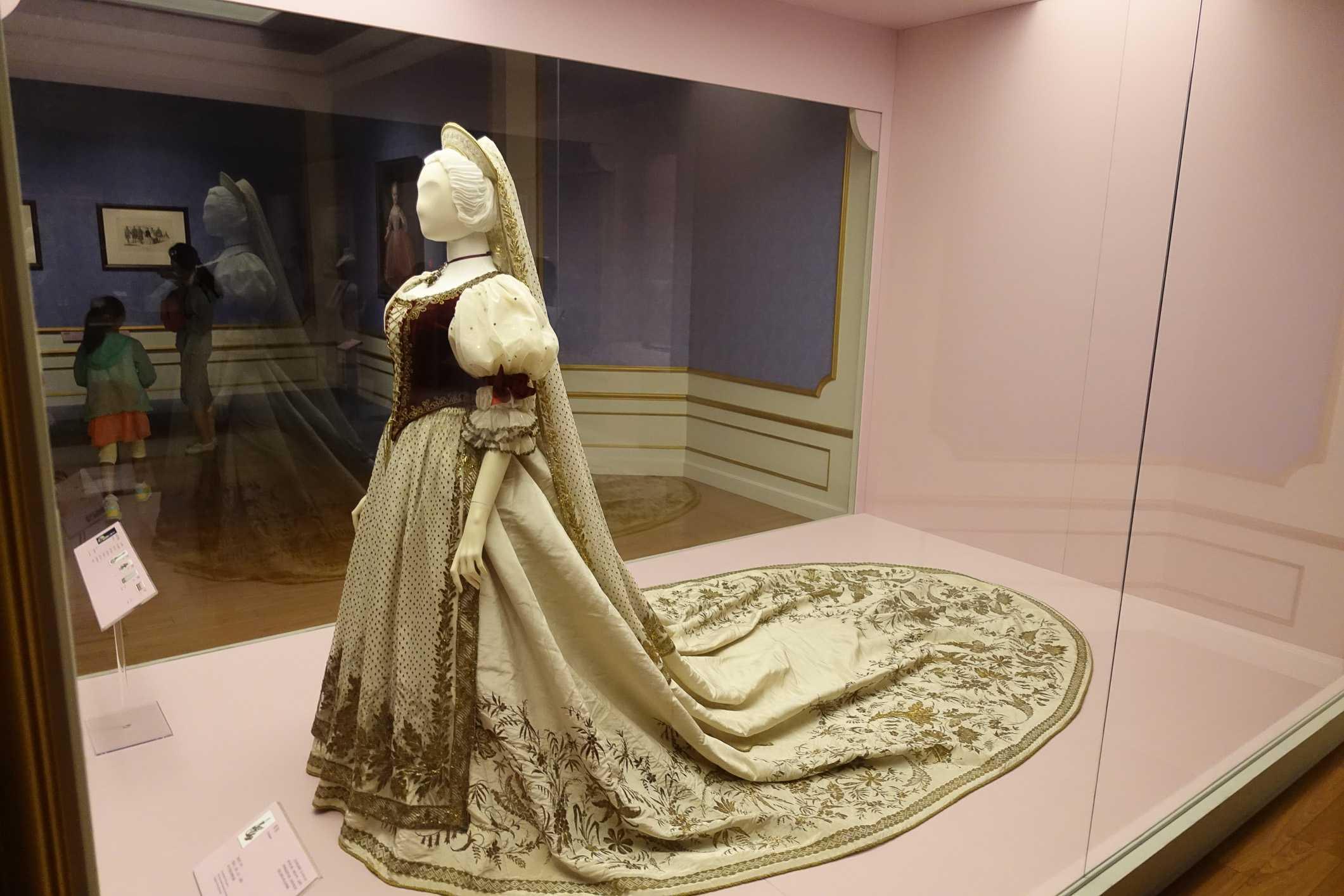 Sisi and Hungary exhibit in Shanghai Museum