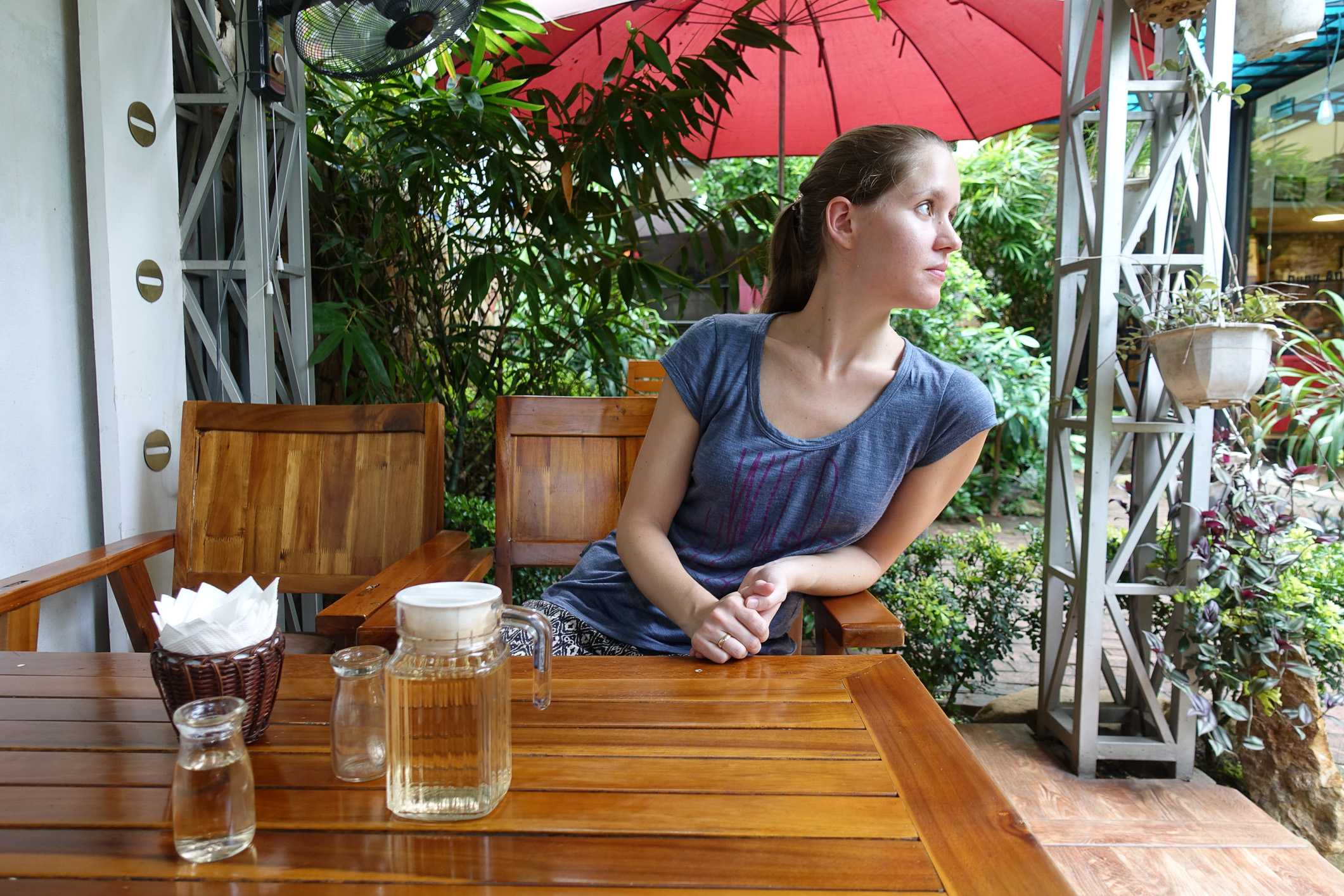 Garden restaurant in Bai Chai