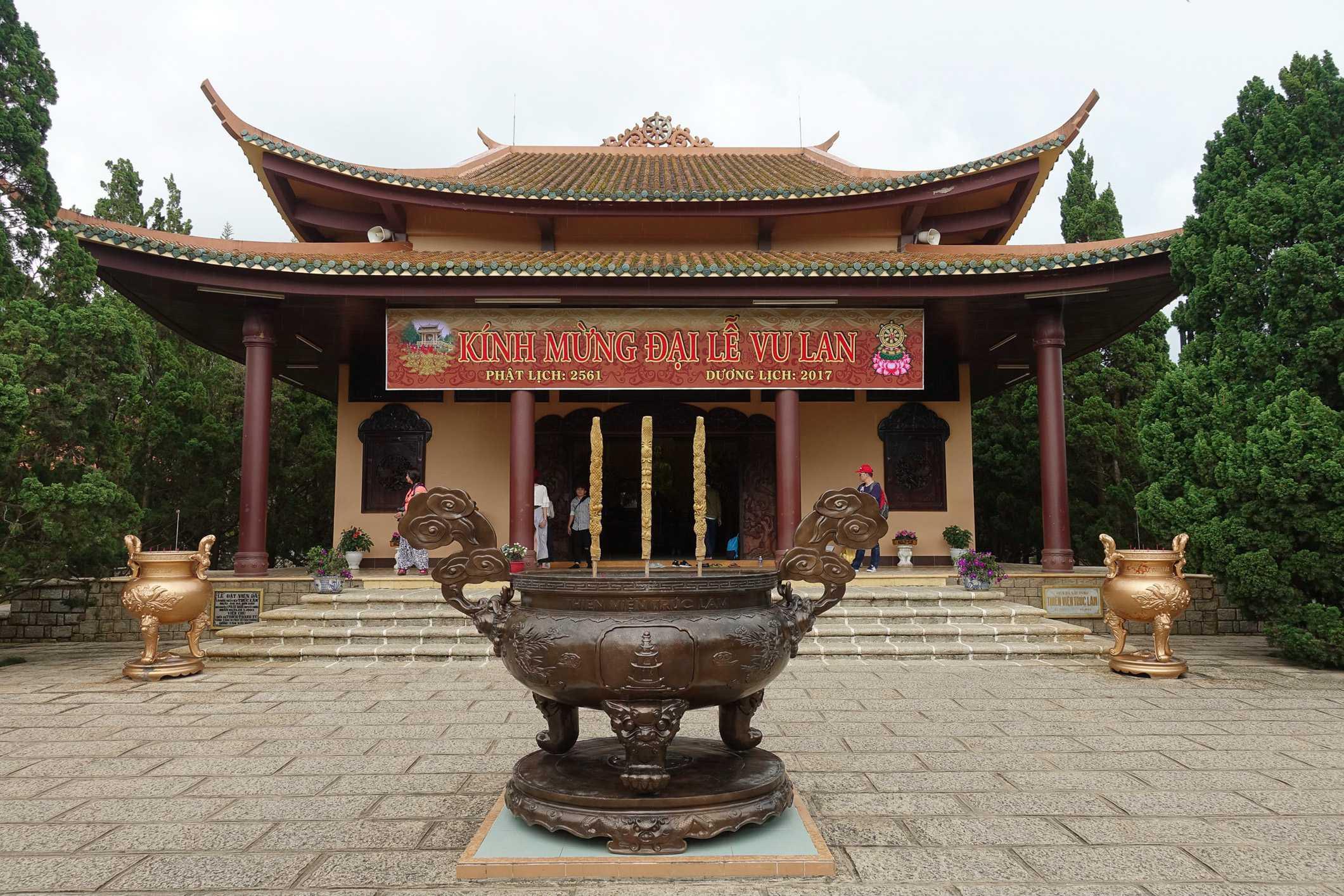 Trúc Lám Temple
